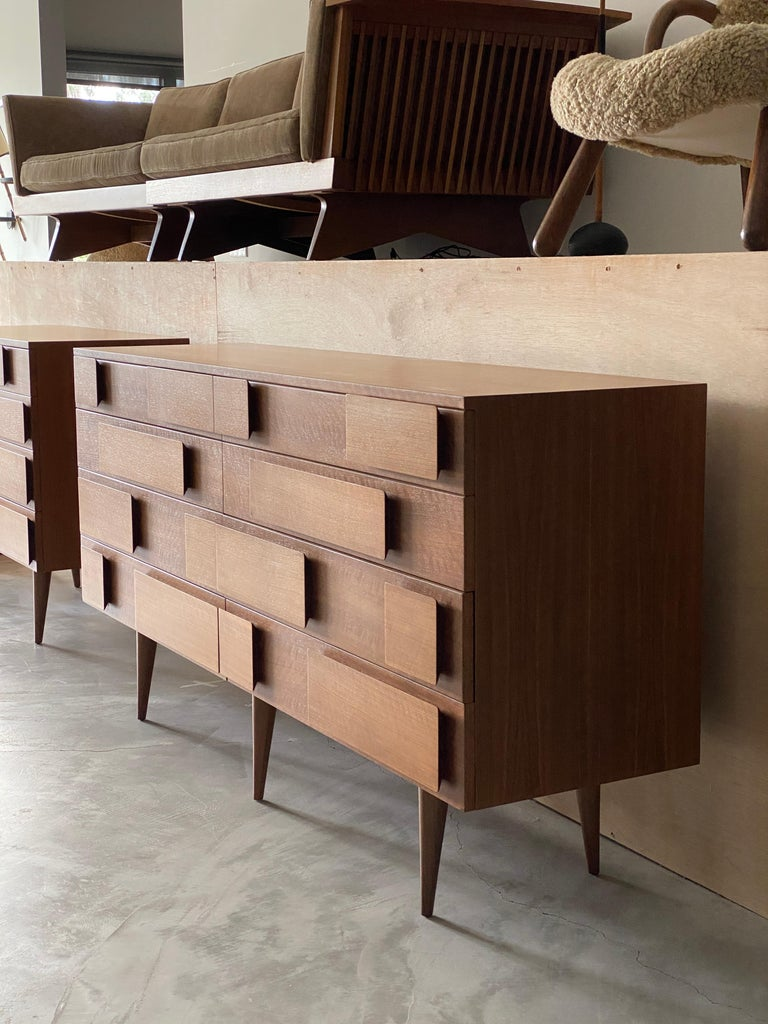 Gio Ponti, Rare Double Dresser, Walnut, for Singer & Sons, America, 1950s For Sale 1