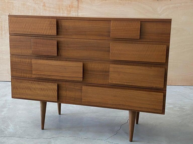 Italian Gio Ponti, Rare Dresser, Walnut, for Singer & Sons, America, 1950s    For Sale