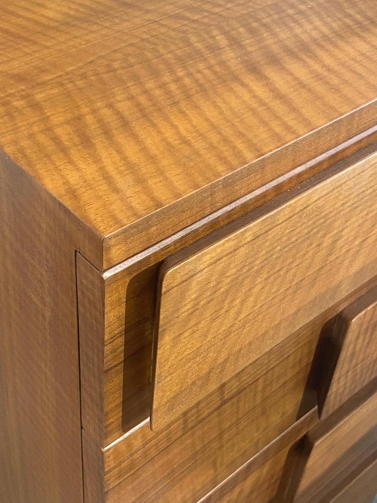 Mid-20th Century Gio Ponti, Rare Dresser, Walnut, for Singer & Sons, America, 1950s    For Sale