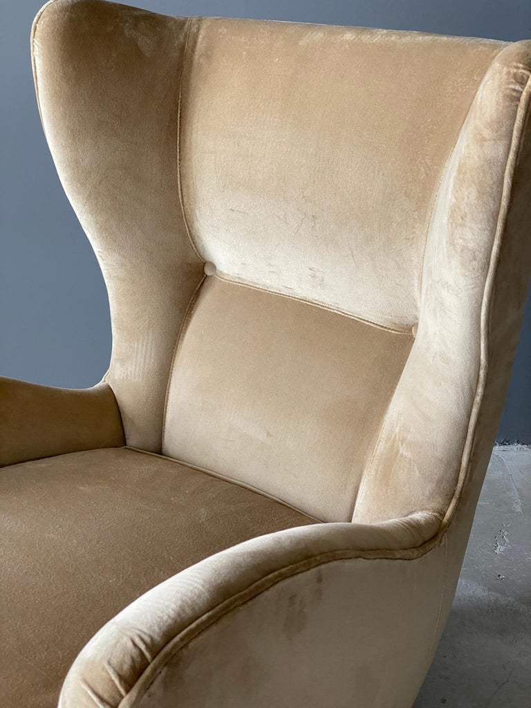 Gio Ponti, Rare Organic Lounge Chair, Dark Stained Oak, Velvet, Italy, 1940s For Sale 1
