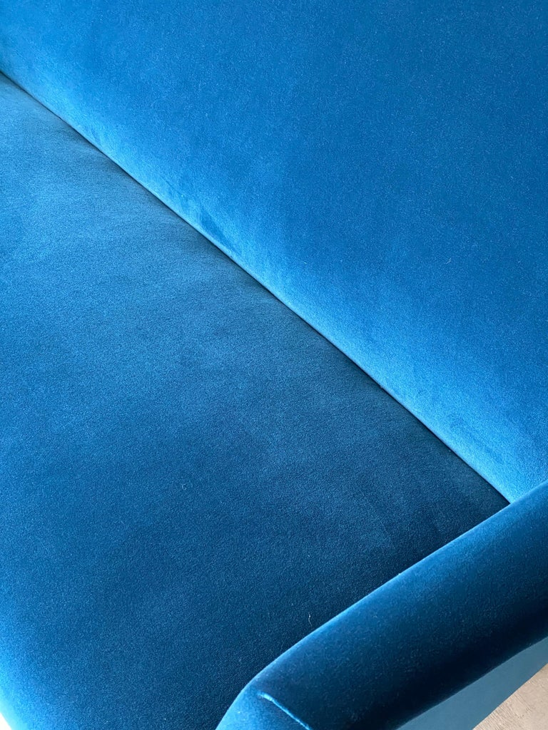 Finnish Gio Ponti Rare Production Settee or Sofa, Blue Velvet, Oak, Asko, Finland, 1950s For Sale