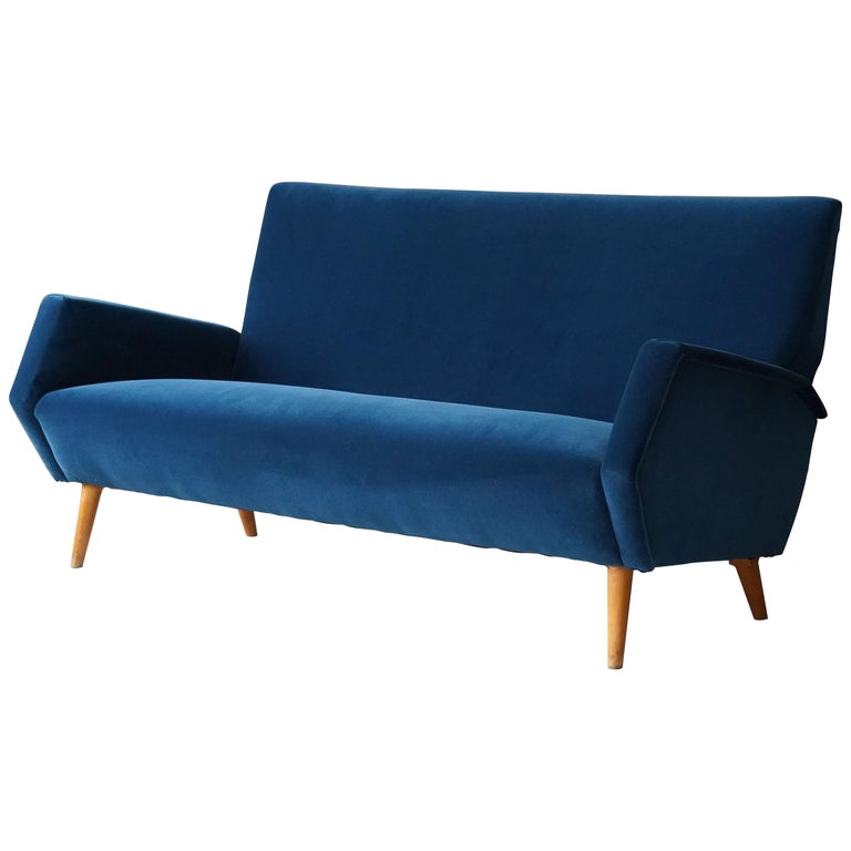 Gio Ponti Rare Production Settee or Sofa, Blue Velvet, Oak, Asko, Finland, 1950s For Sale