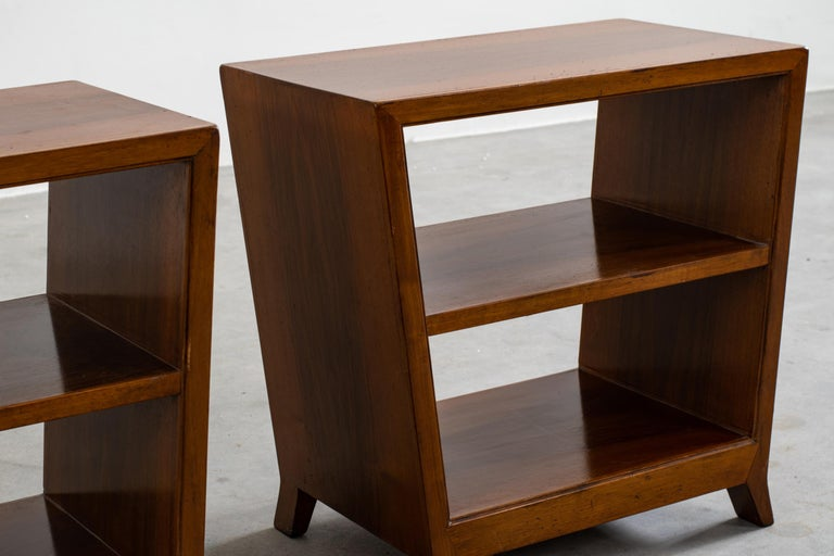 Gio Ponti Set of Two Side Tables with Shelves in Walnut Schirolli, 1950s In Good Condition For Sale In Montecatini Terme, IT