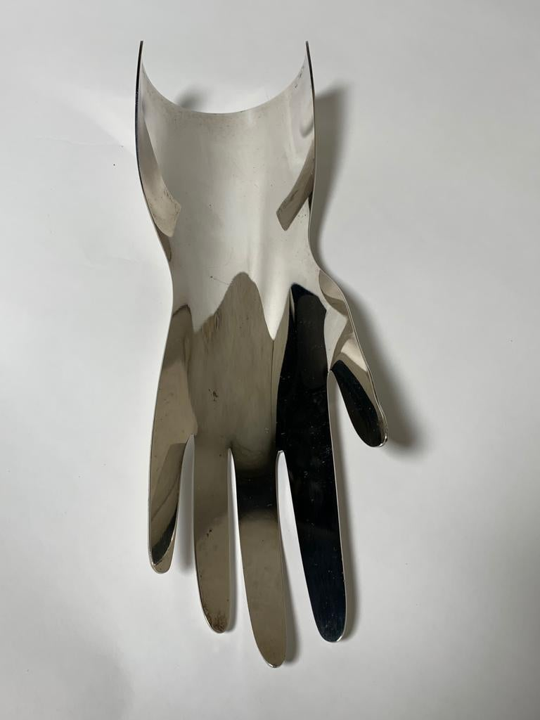 Silver metal model hand 5 fingers designed by Gio Ponti for Sabattini in 1978. Signed.