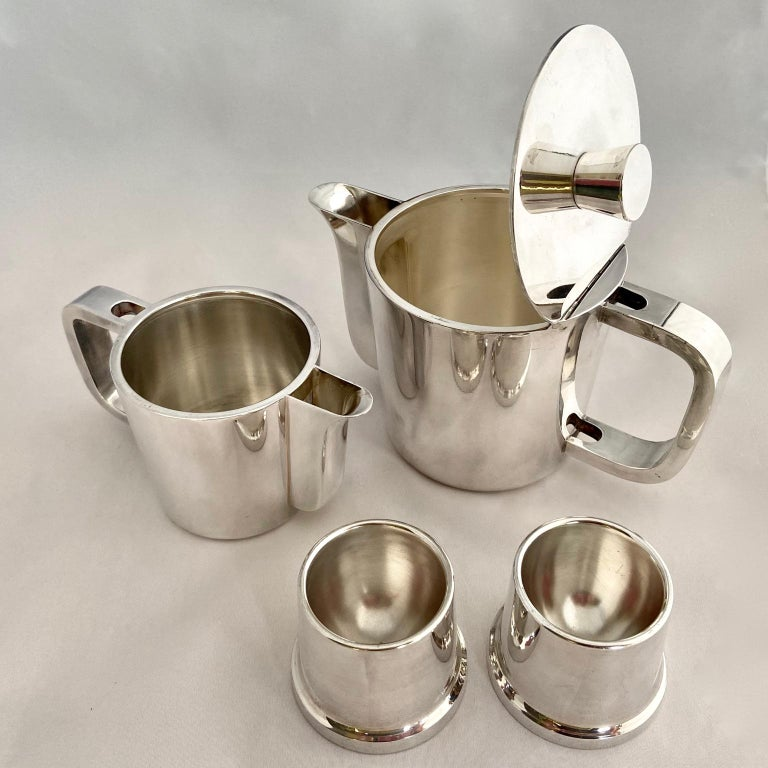 Gio Ponti Silver Plated Coffee Pot, Milk Jug and Egg Cups for Krupp, 1930s-1950s For Sale 4