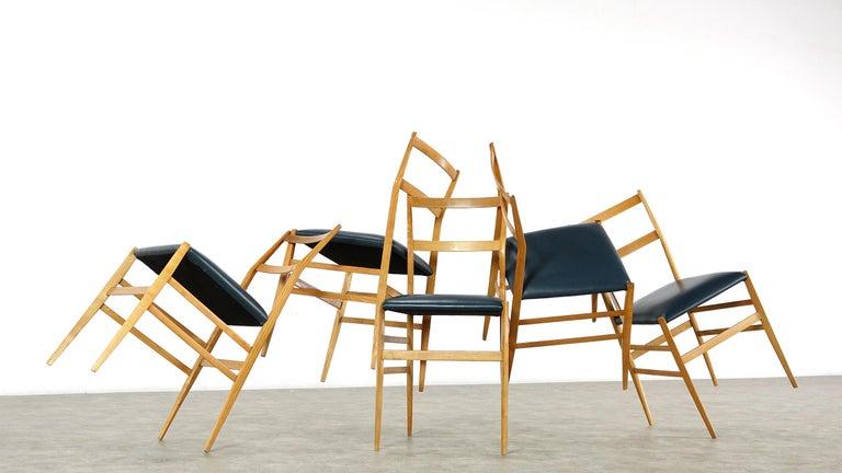 Italian Gio Ponti Superleggera Set of Five Leather Dining Chairs Cassina, Italy, 1958 For Sale