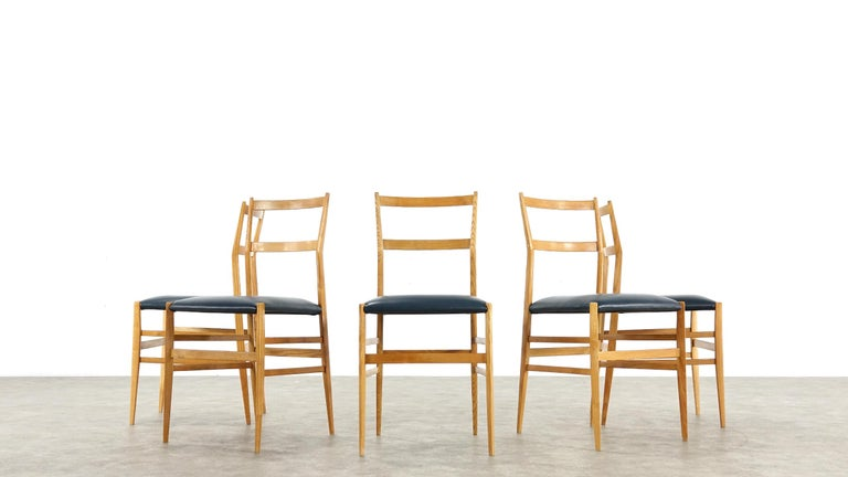 Gio Ponti Superleggera Set of Five Leather Dining Chairs Cassina, Italy, 1958 In Good Condition For Sale In Munster, NRW