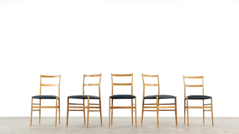 Mid-20th Century Gio Ponti Superleggera Set of Five Leather Dining Chairs Cassina, Italy, 1958 For Sale