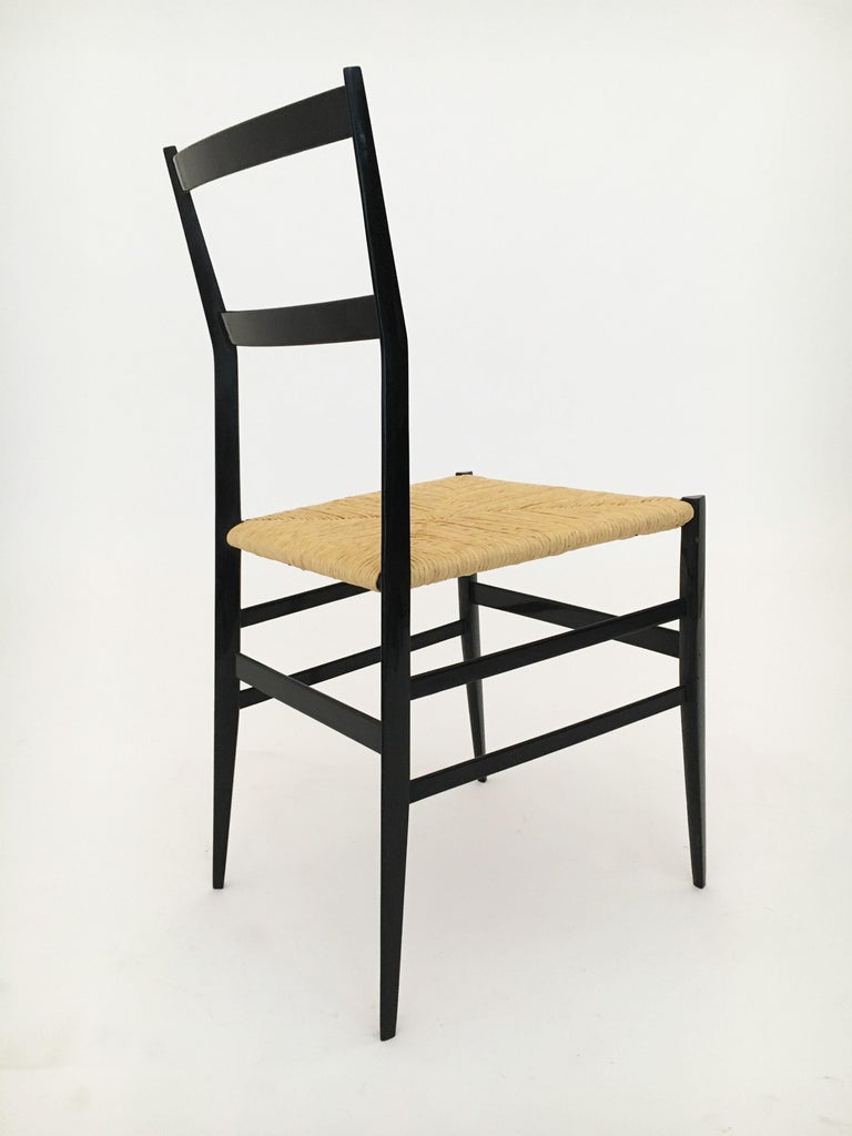 Gio Ponti Vintage Superleggera Set of Six Dining Chairs Cassina, Italy, 1958 For Sale 3