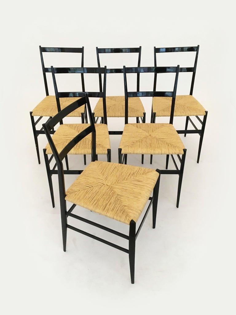 Gio Ponti Vintage Superleggera Set of Six Dining Chairs Cassina, Italy, 1958 For Sale 4