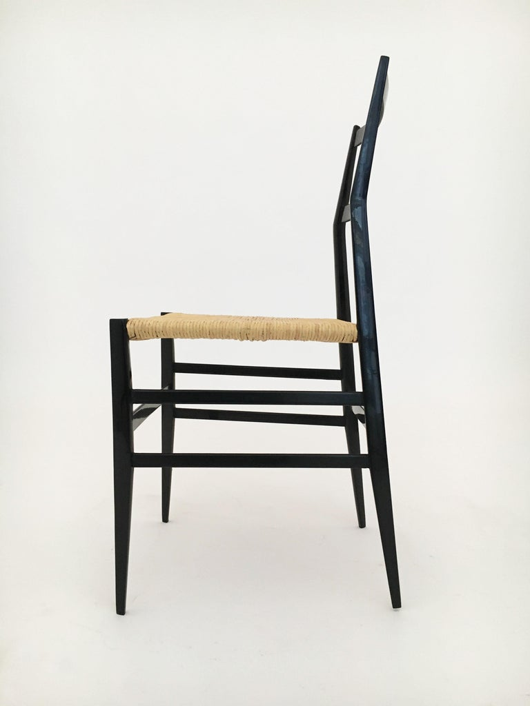 Gio Ponti Vintage Superleggera Set of Six Dining Chairs Cassina, Italy, 1958 For Sale 2