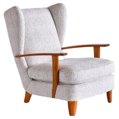 Gio Ponti Wingback Chair in Cherry Wood and Mélange Nobilis Fabric, Italy, 1929