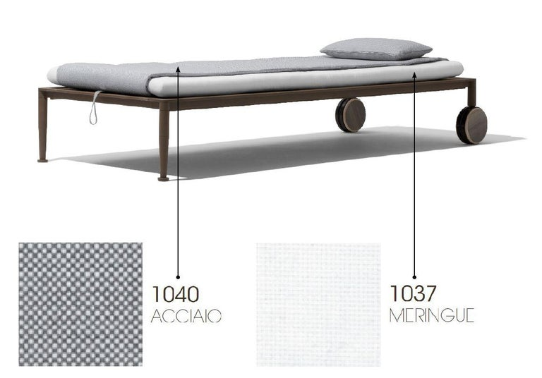 Giorgetti Gea Beach Lounger Designed by Chi Wing Lo - Adjustable Chaise Lounge In New Condition For Sale In Boston, MA