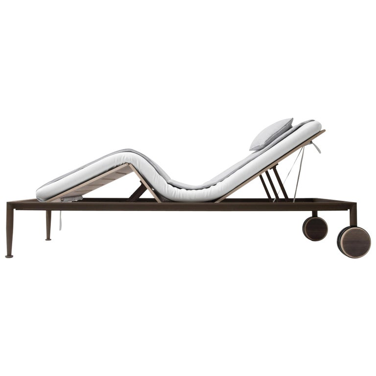 Giorgetti Gea Beach Lounger Designed by Chi Wing Lo - Adjustable Chaise Lounge For Sale