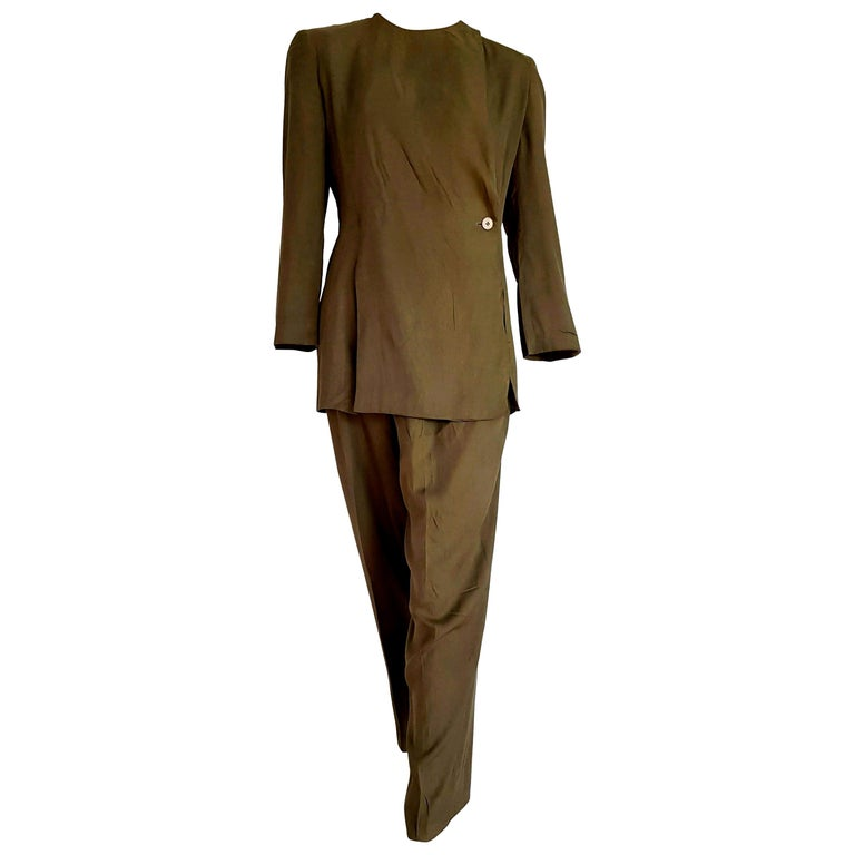 """Giorgio ARMANI """"New"""" Green Silk 1 button Closed collar Trousers Suit - Unworn For Sale"""