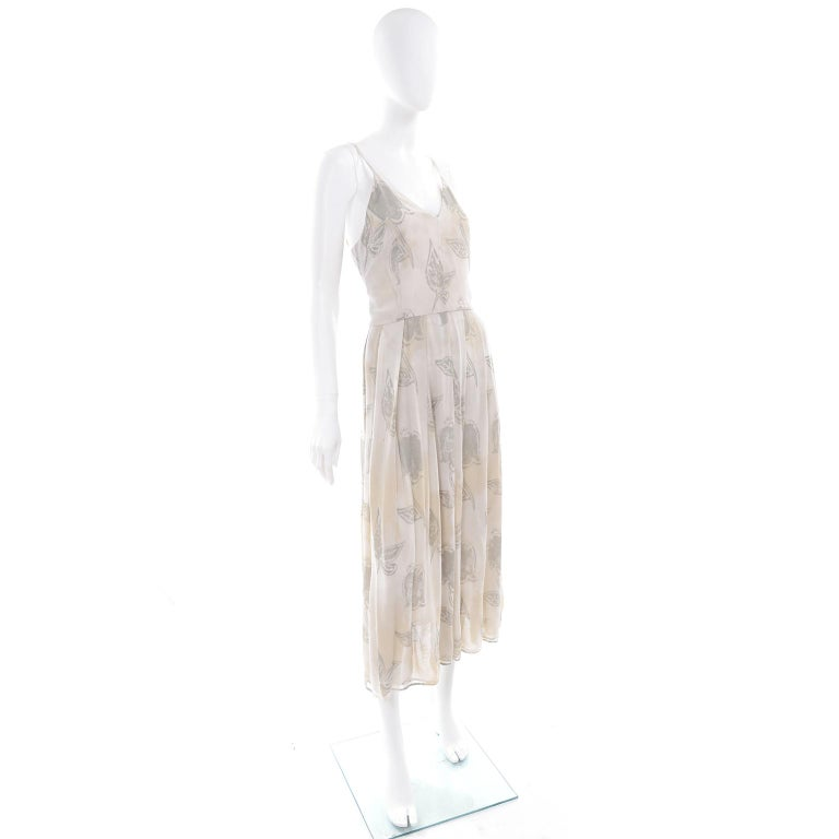 Giorgio Armani Vintage 1990s Cream Khaki Sage Green Leaf Print Summer Dress In Excellent Condition For Sale In Portland, OR