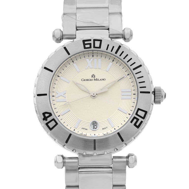 This display model Giorgio Milano 917ST02 Watch is a beautiful men's timepiece that is powered by quartz (battery) movement which is cased in a stainless steel case. It has a round shape face and has hand sticks style markers. It is completed with a
