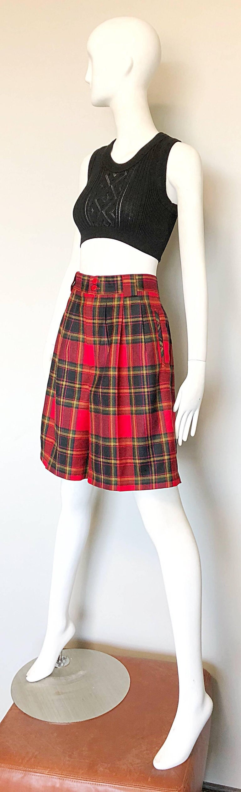 Giorgio Sant Angelo 1980s Red Tartan Plaid Virgin Wool Vintage Culottes Shorts  In Excellent Condition For Sale In Chicago, IL