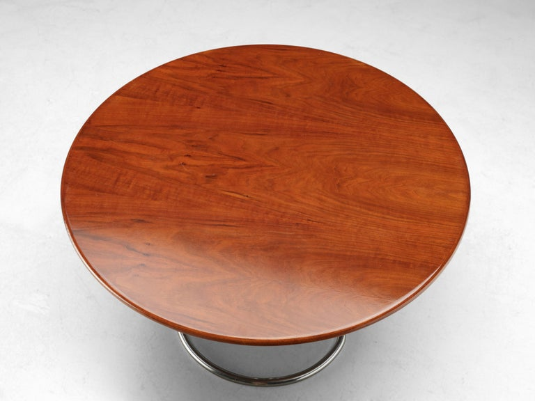 Giotto Stoppino for Bernini Round Dining Table 'Maia' in Walnut and Metal In Good Condition For Sale In Waalwijk, NL