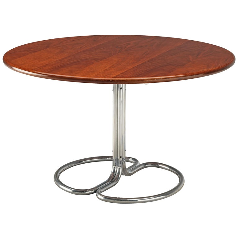 Giotto Stoppino for Bernini Round Dining Table 'Maia' in Walnut and Metal For Sale