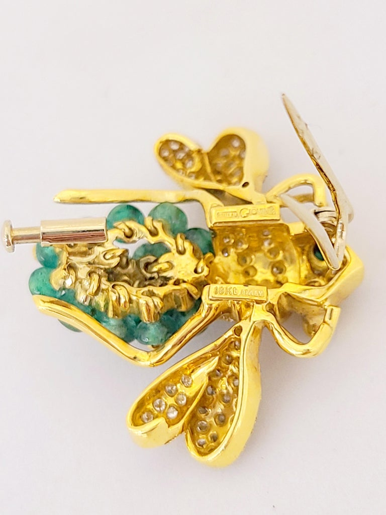 Retro Giovane Italy 18KT Gold, 4.27 Carat Emeralds and 1.53 Carat Diamond Bee Brooch For Sale