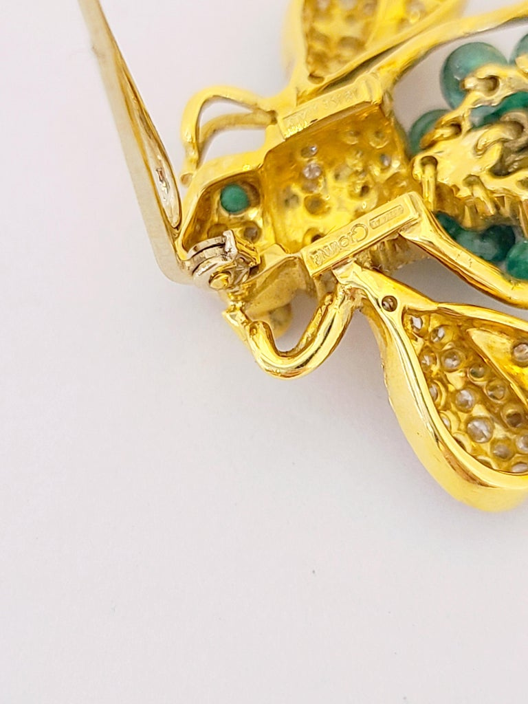 Giovane Italy 18KT Gold, 4.27 Carat Emeralds and 1.53 Carat Diamond Bee Brooch In New Condition For Sale In New York, NY