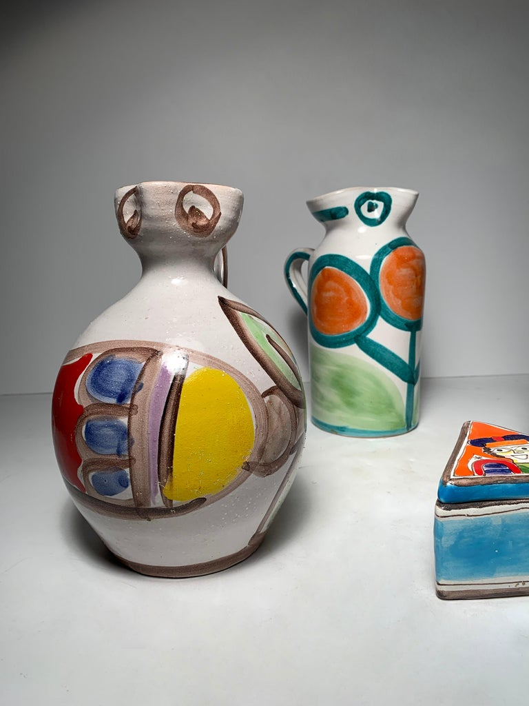 Giovanni DeSimone Pottery Pitchers Collection Grouping In Good Condition For Sale In Chicago, IL
