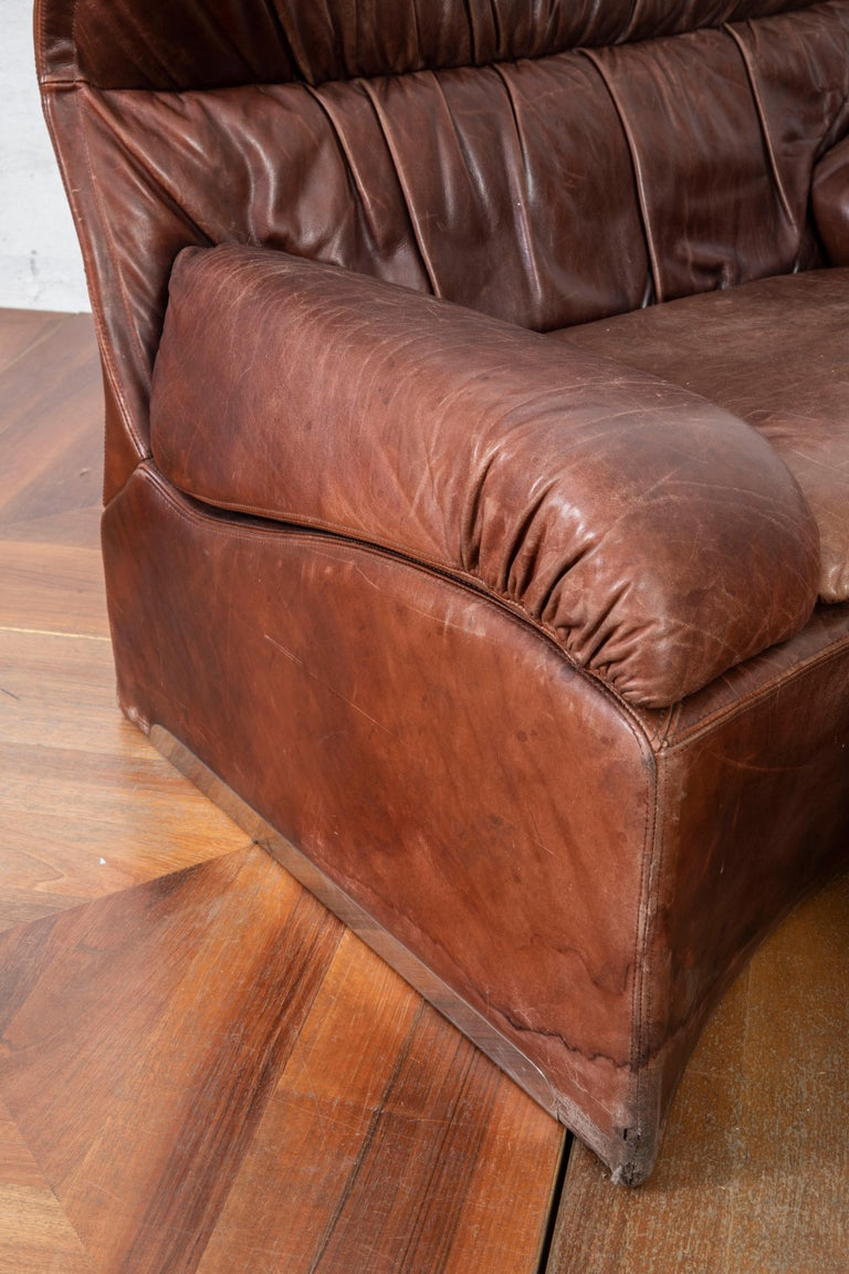 Late 20th Century Giovanni Offredi Italian Cognac Leather Lounge Chair with Footstool for Saporiti For Sale