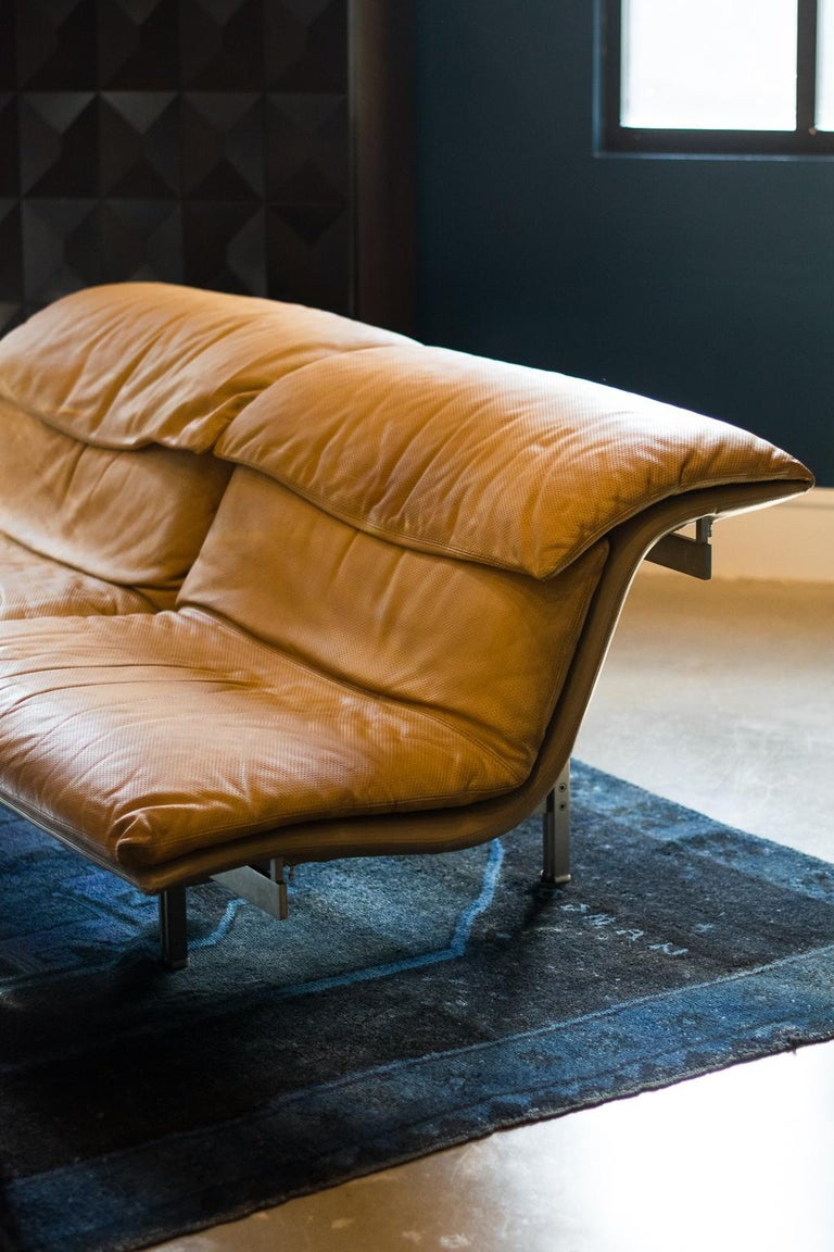 Giovanni Offredi 'Wave' Leather Sofa by Saporiti, Italy In Good Condition For Sale In Austin, TX