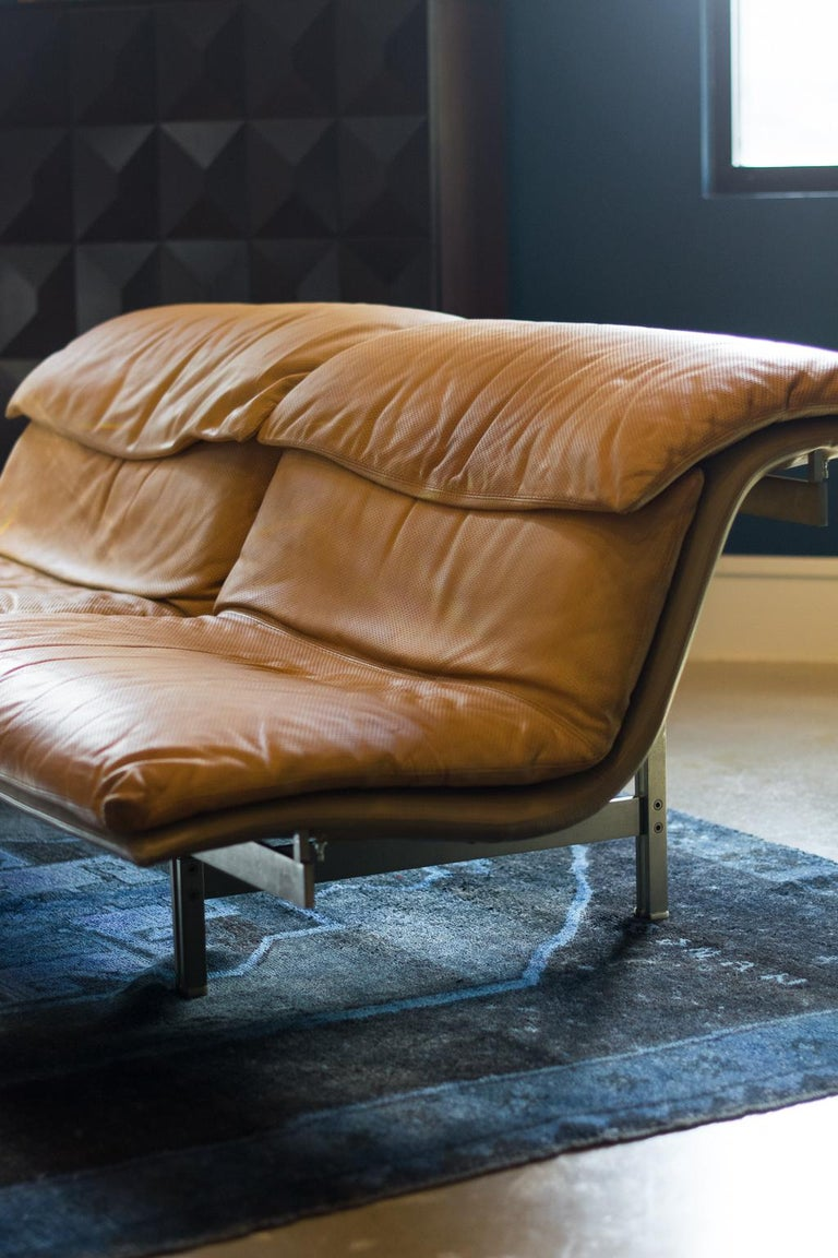Late 20th Century Giovanni Offredi 'Wave' Leather Sofa by Saporiti, Italy For Sale