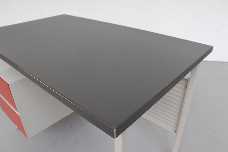 Gispen 3803 Industrial Desk with Privacy Screen For Sale 5