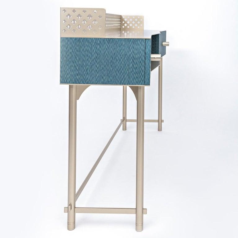 Modern Gita M0118 Wooden Make-Up Table For Sale