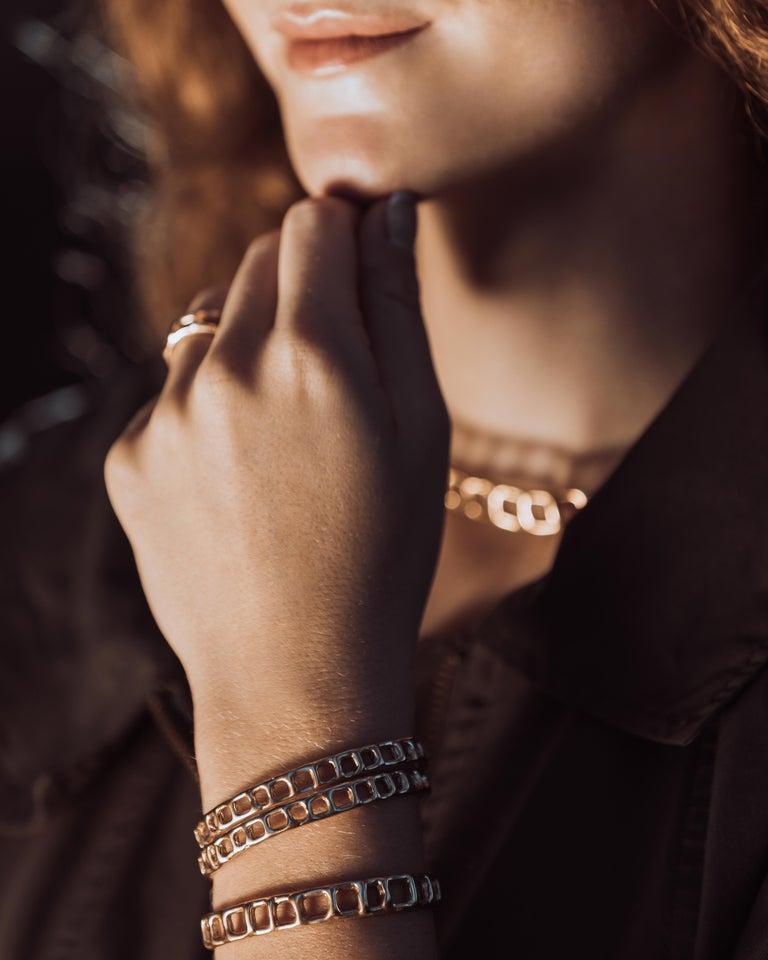 Contemporary Animo Bracelet 18 Karat Gold For Sale