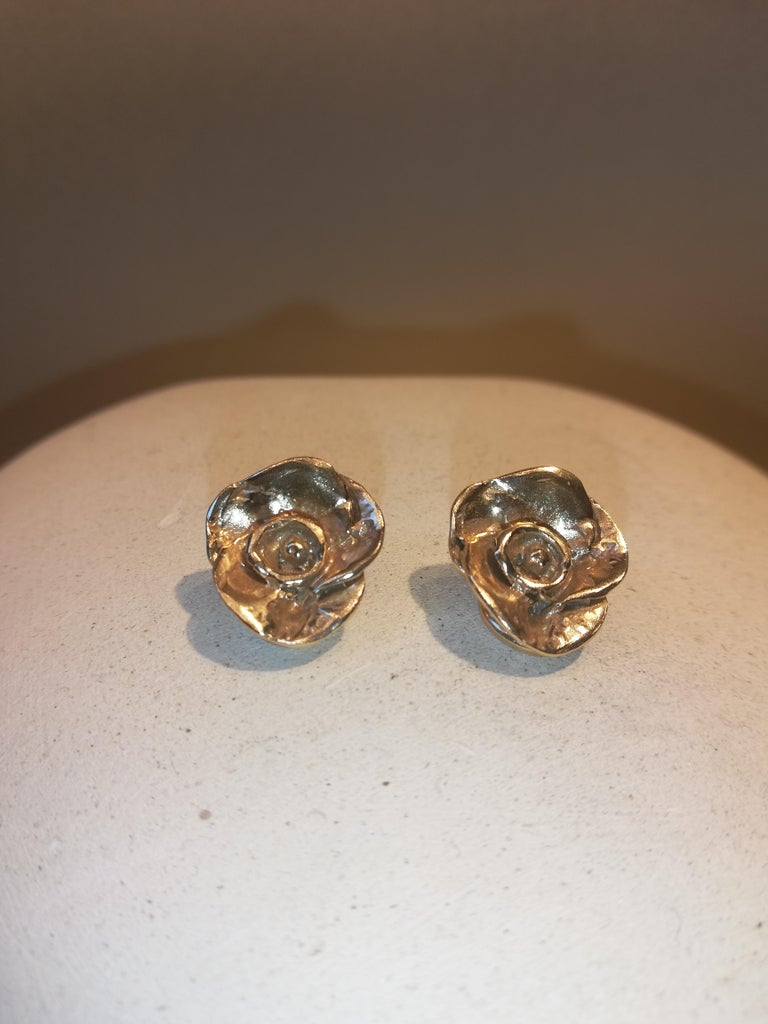 Contemporary Giulia Barela Jewelry Rose Earrings 18 Karat Gold For Sale