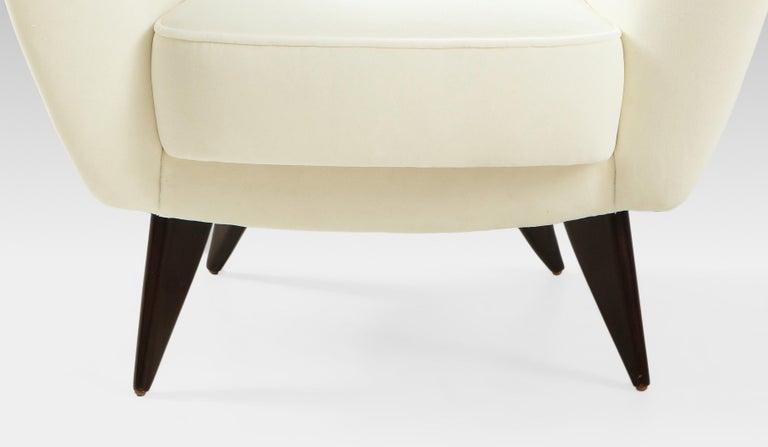 Giulia Veronesi for ISA Bergamo 'Perla' Armchairs in Ivory Velvet, Italy, 1950s For Sale 4
