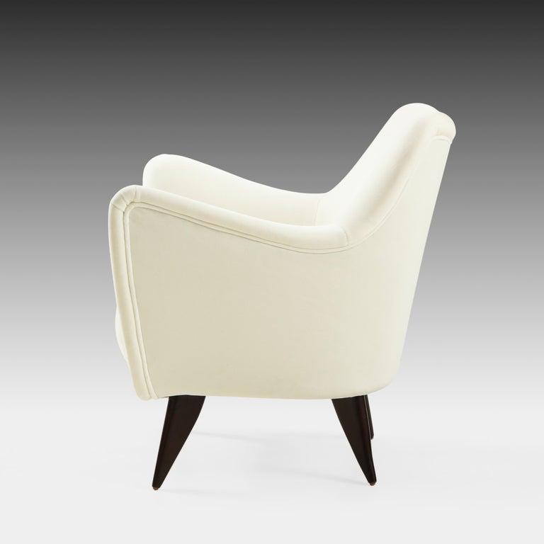 Upholstery Giulia Veronesi for ISA Bergamo 'Perla' Armchairs in Ivory Velvet, Italy, 1950s For Sale