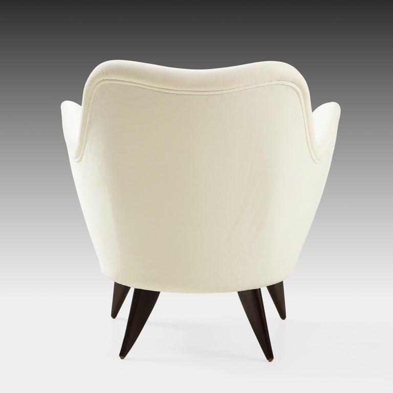 Giulia Veronesi for ISA Bergamo 'Perla' Armchairs in Ivory Velvet, Italy, 1950s For Sale 2
