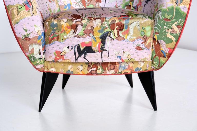Giulia Veronesi Pair of Perla Armchairs in Chinoiserie Fabric, ISA Bergamo, 1952 For Sale 5