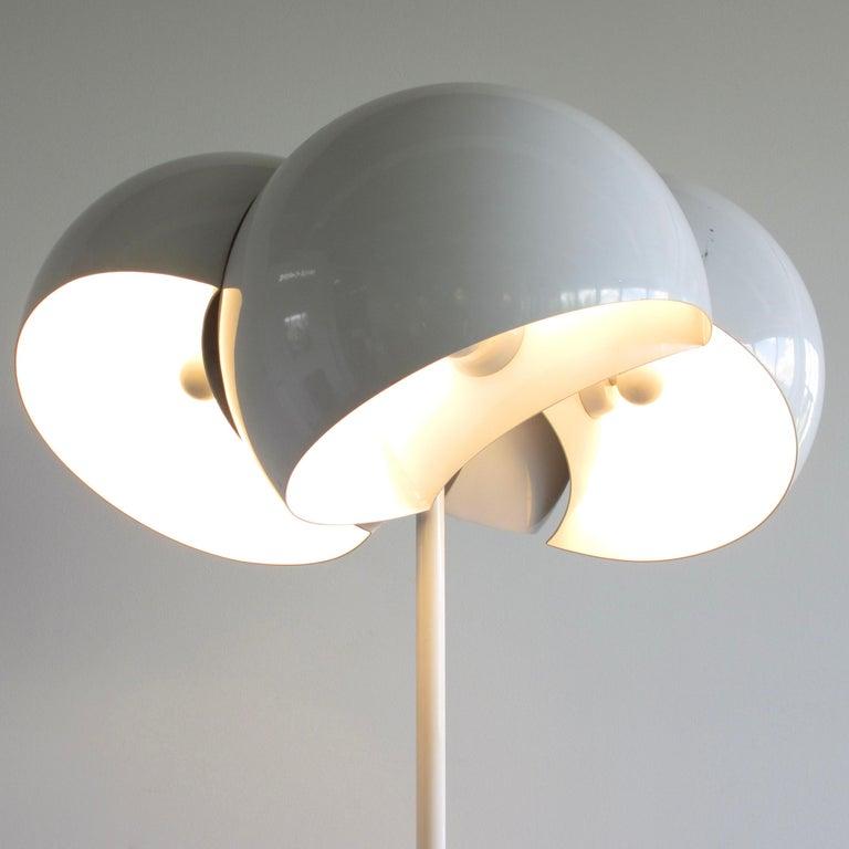 Modern Giunone Floor Lamp by Vico Magistretti, Artemide, 1970 For Sale