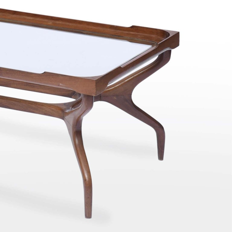 Giuseppe Scapinelli Midcentury Brazilian Center Table in Caviúna Wood, 1950s In Good Condition For Sale In Sao Paulo, SP