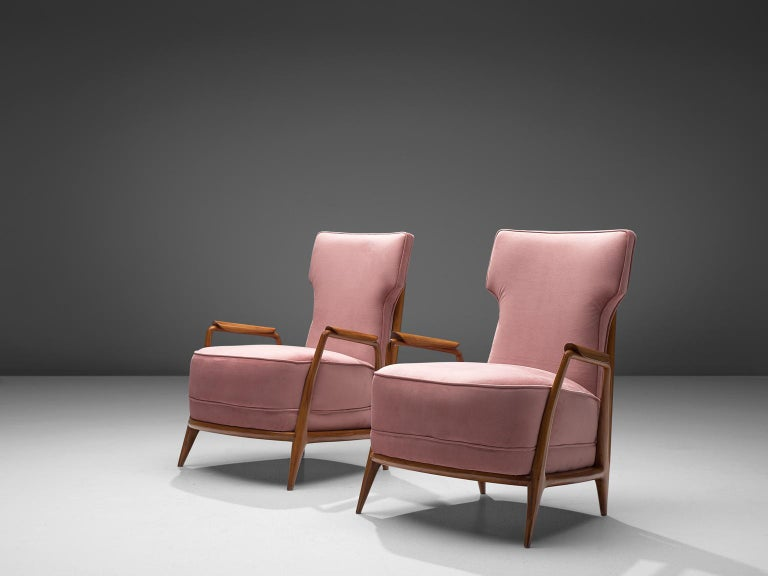 Giuseppi Scapinelli, set of 2 lounge chairs in caviuna wood and pink suede, 1950s, Brazil.  Elegant easy chairs with spoke back. This chair in caviuna wood exposes the beautiful grain of the wood in an eloquent manner. This chair is one of