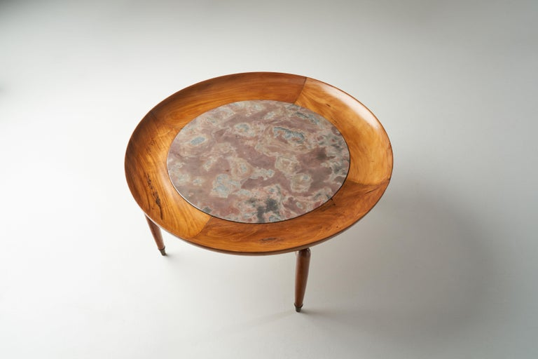 Giuseppe Scapinelli Round Coffee Table in Caviuna Wood and Marble, Brazil, 1960s For Sale 4