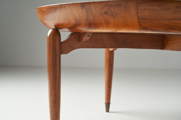 Giuseppe Scapinelli Round Coffee Table in Caviuna Wood and Marble, Brazil, 1960s For Sale 9