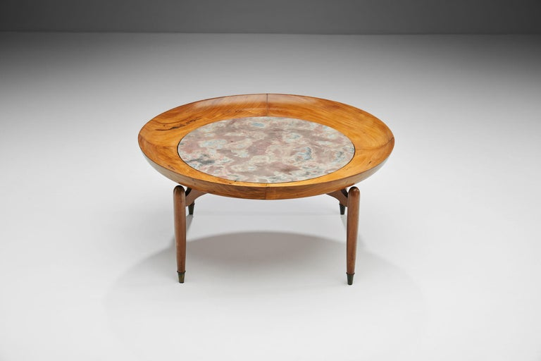 Mid-Century Modern Giuseppe Scapinelli Round Coffee Table in Caviuna Wood and Marble, Brazil, 1960s For Sale