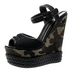 b26dd78b40e48 Giuseppe Zanotti Black Canvas And Leather Camouflage Wedge Sandals Size 40
