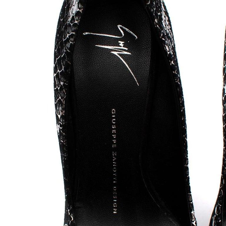 Giuseppe Zanotti Black & Silver Snakeskin Print Peep Toe - Size 37.5 In New Condition For Sale In London, GB