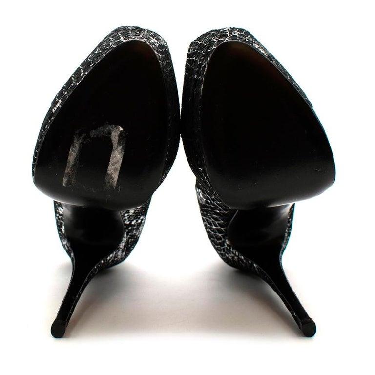 Women's or Men's Giuseppe Zanotti Black & Silver Snakeskin Print Peep Toe - Size 37.5 For Sale