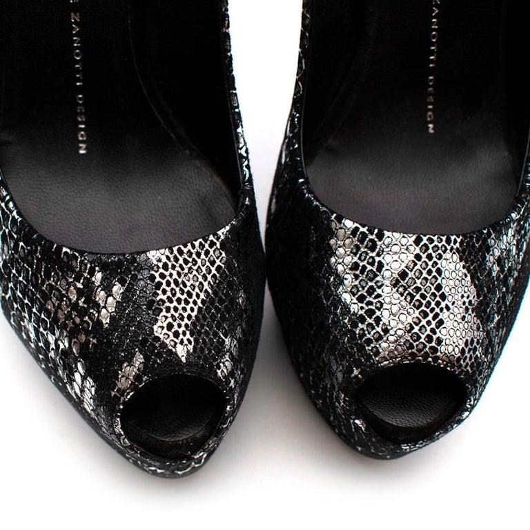 Giuseppe Zanotti Black & Silver Snakeskin Print Peep Toe - Size 37.5 For Sale 3