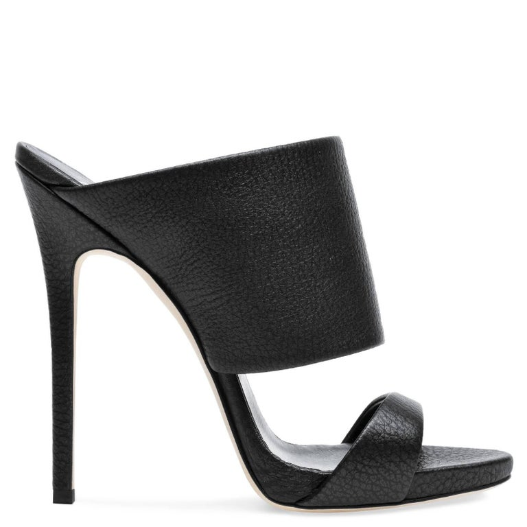 Giuseppe Zanotti New Black Leather Slide In Mules Evening Heels in Box In New Never_worn Condition For Sale In Chicago, IL