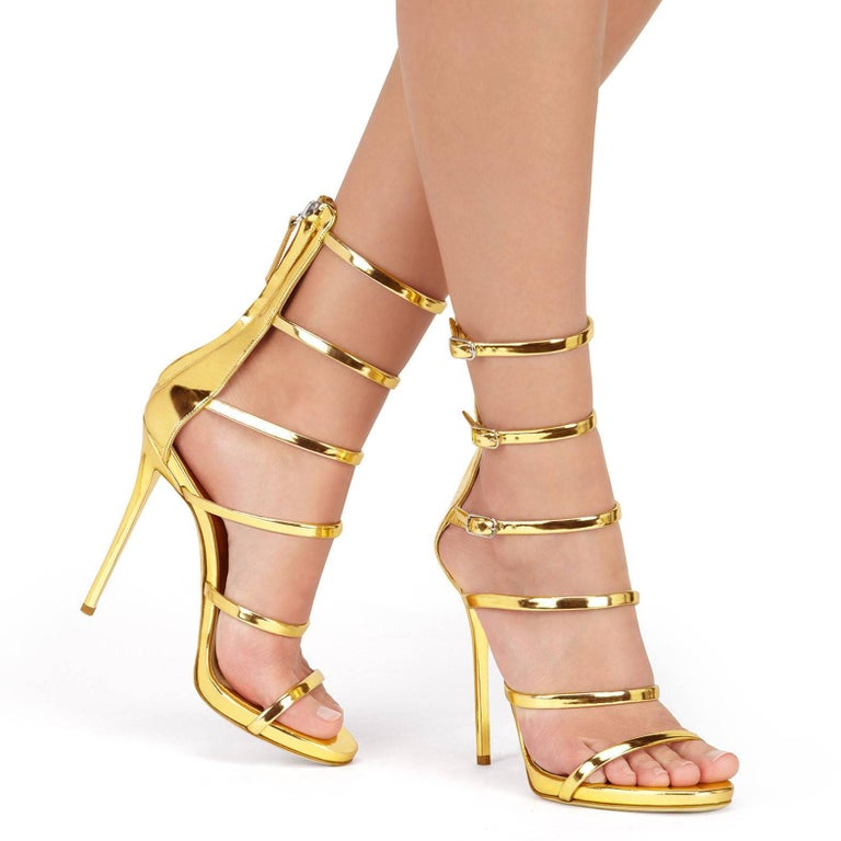 Giuseppe Zanotti NEW Gold  Patent Leather Evening Low Gladiator Sandals Heels in Box  Size IT 36 Patent leather Buckle and zipper closures Made in Italy Heel height 4.75